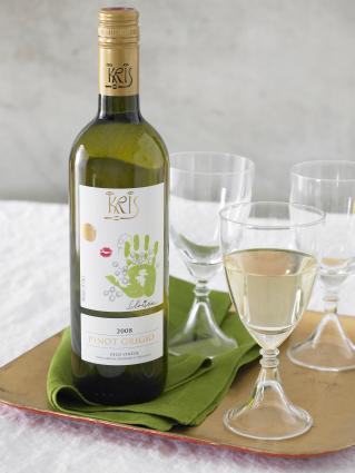 KRIS Pinot Grigio poured into a glass
