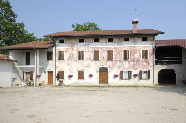 KRIS Farm building